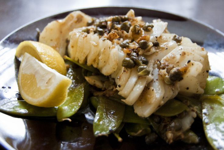 Pan seared cod with lemon caper sauce cod fish recipes for Lemon fish sauce recipe