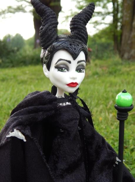 repainted maleficent and prince - photo #12