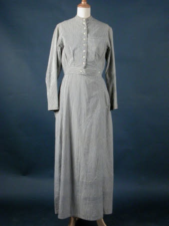 Nurse's uniform, ca. 1914; National Trust Collection (Killerton) 1364840