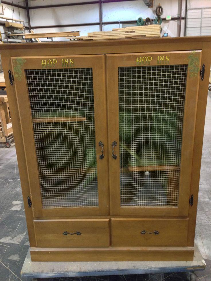 Best bunny hutch for pets pinterest bunnies simple for Build indoor rabbit cage