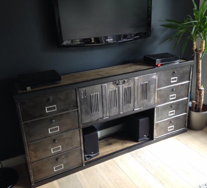 1000 id es propos de meuble tv industriel sur pinterest for Meuble console tv