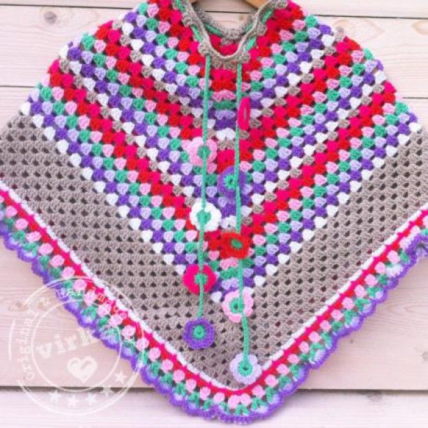 Mooie gehaakte poncho voor meisjes van 5-8 jaar.  In kleuren beige, wit, fuchsia, oranje/rood, roze, aqua, lila en paars.  Original & Handmade by Virka