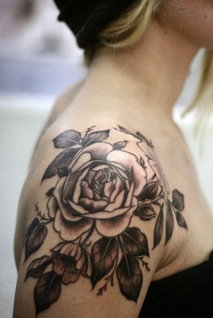 Die besten 35  Tattoo dekoltee Ideen auf Pinterest | Dekoltee ... - Dekollete Tattoo Frau