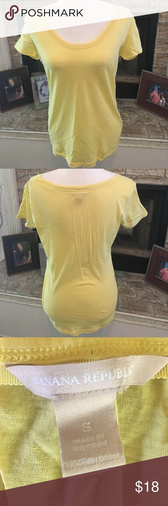 "Banana Republic yellow tshirt Beautiful yellow Banana Republic tshirt. Flattering wide neckline. 17"" from armpit to armpit, 24"" from shoulder to bottom Banana Republic Tops Tees - Short Sleeve"