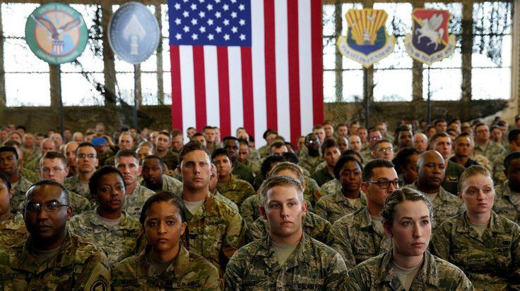 """Die US-amerikanische Denkfabrik RAND hat dem Verteidigungsausschuss des Senats einen Bericht vorgelegt, in dem die Schwächen der US-Streitkräfte und mögliche Verbesserungsvorschläge erläutert werden. So stellt der Thinktank fest, dass die Armee der Vereinigten Staaten im Vergleich zu der russischen und chinesischen zurückbleibe. """"Unsere Kriegsspiele und Simulationen zeigen, dass die US-Streitkräfte unter plausiblen Annahmen den nächsten Krieg verlieren können"""", verlautet es aus dem Bericht."""