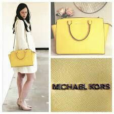 Yellow selma bag outfit