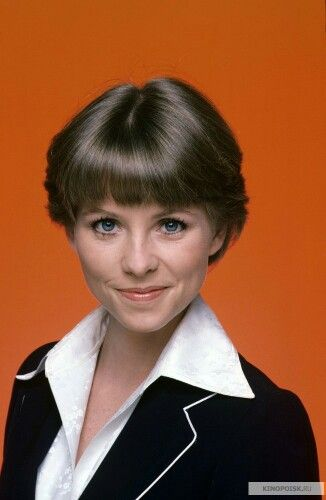 The Love Boat - Cruise Director Julie McCoy - Lauren Tewes (born Cynthia Lauren Tewes, October 26, 1953) is an American actress
