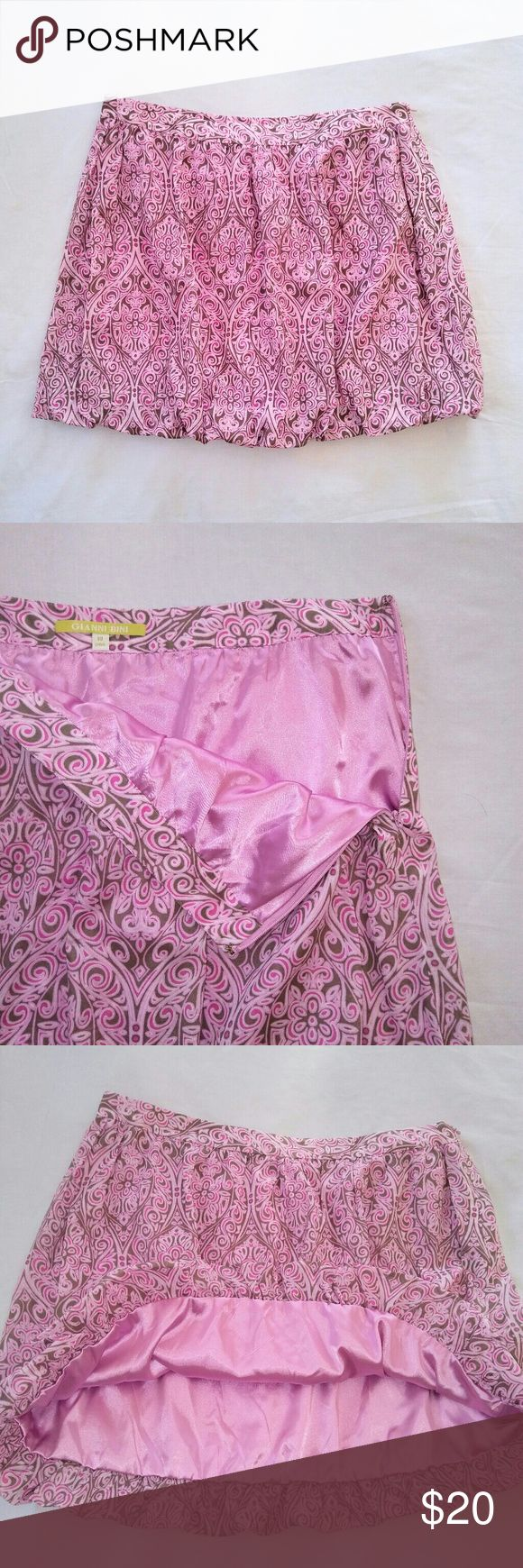 GIANNI Bini Skater Skirt Gianni Bini Pink Skater Skirt / Bubble Skirt. Side zipper & hook + loose elastic band in hem to make bubble effect. Women's 10. In excellent used condition. From a smoke free home. Make an offer! Gianni Bini Skirts Circle & Skater