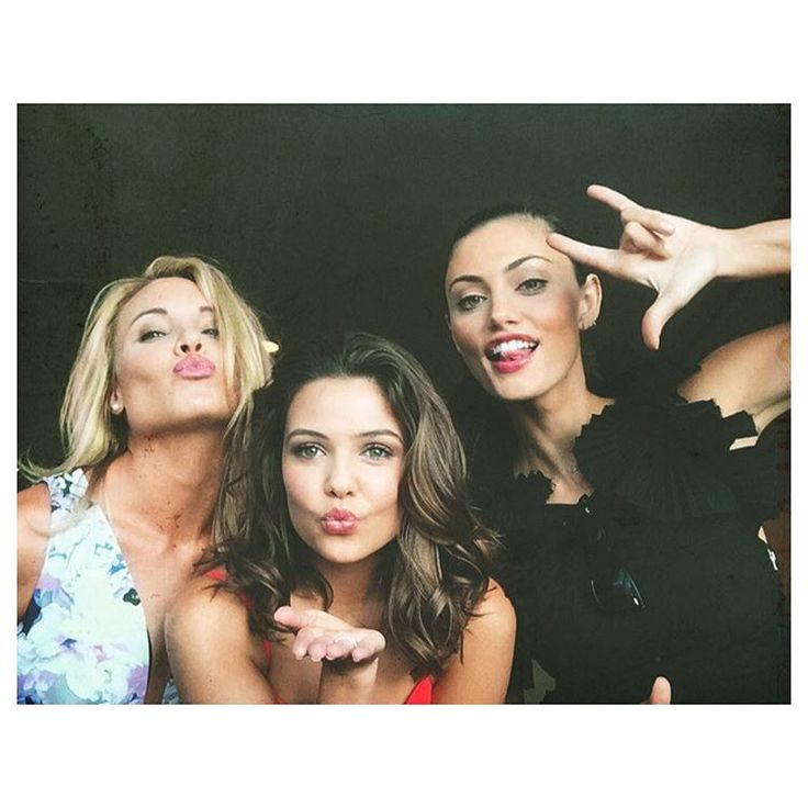 Leah Pipes, Danielle Campbell and Phoebe Tonkin