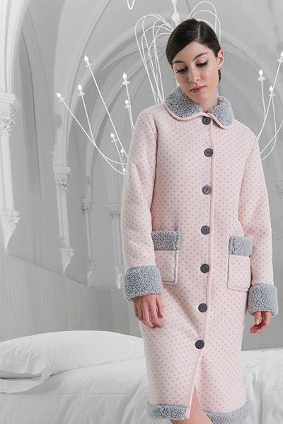 Batín invierno mujer modelo Chat de la marca Egatex. http://www.perfumeriaelajuar.com/homewear/batines-mujer--invierno/32