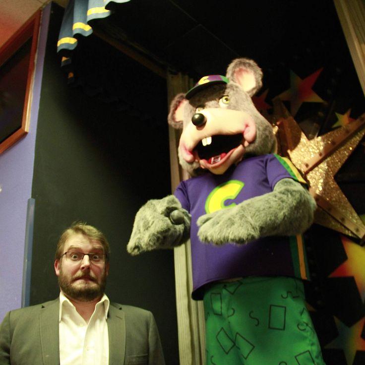im totally terrified of Chuck-E-Cheese