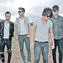 Room 94 have to be one of the coolest bands around, they are so nice in person and amazingly awesome on stage !