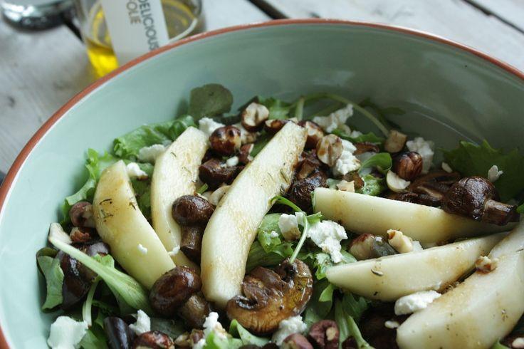 We houden hier van snelle en gezonde maaltijdsalades. Nieuwe co-blogger Bas maakte een heerlijke versie met de hazelnoten balsamico van Foodelicous.