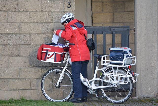postbode op fiets - Google zoeken