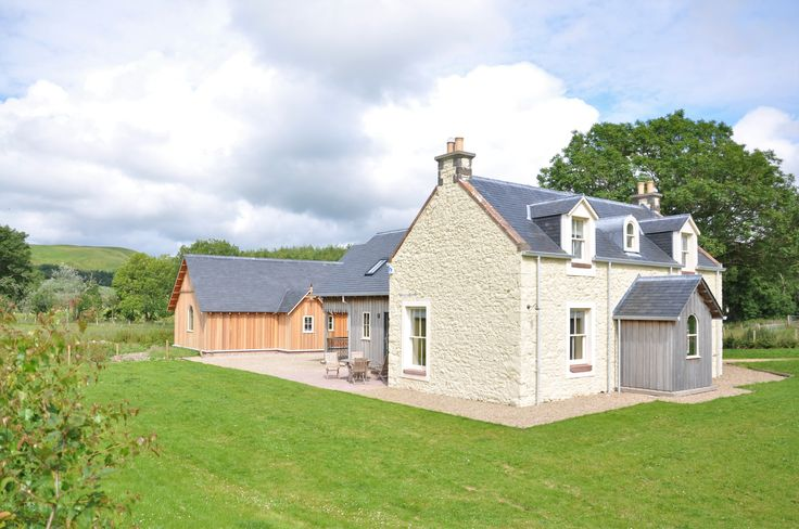 Pinclanty Mill Cottage offers luxury family accommodation in a newly renovated traditional Scottish cottage. Set in the beautifully rural area of Pinmore, Ayrshire, the local area offers some wonderful hill walks, taking in small lochs and stunning views direct from the door.