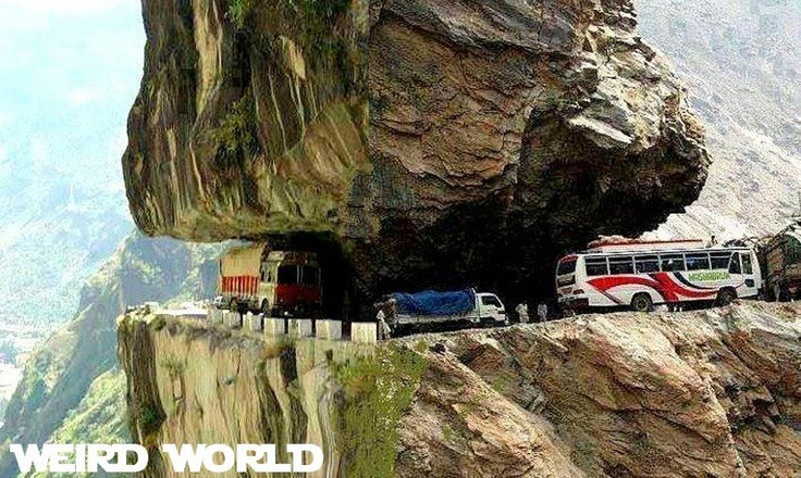 Tranda road : Himachal pradesh ( India )