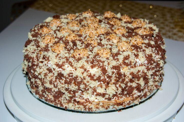 Krümeltorte mit Giotto Lockerer Schicht-Biscuit mit Schmandcreme - Russische Rezepte