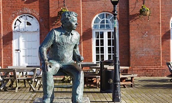 A statue of Dylan Thomas.