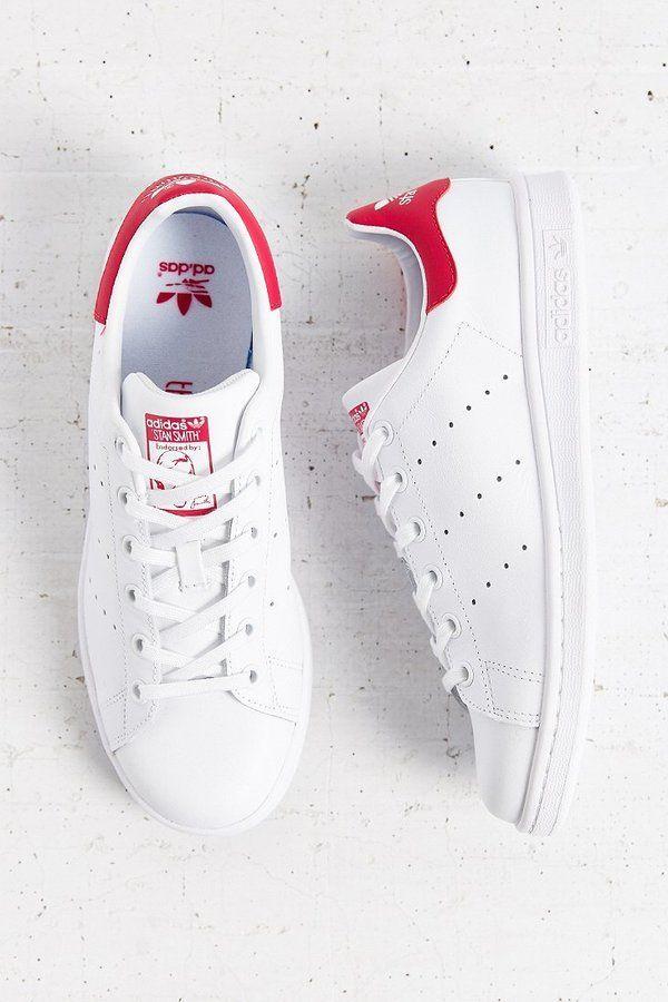 ☆ Adidas Originals Stan Smith Sneaker #flatlay #flatlays #flatlayapp www.theflatlay.com