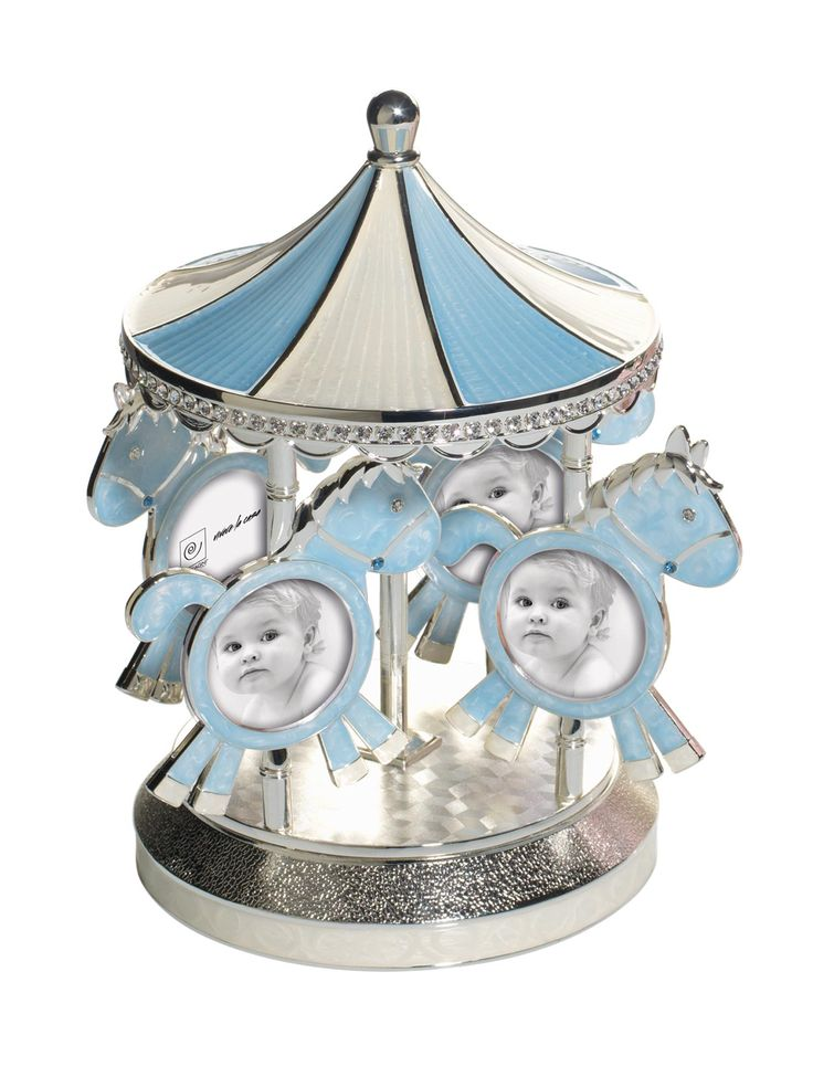 Dolcissimo ed elegante Carillon Musicale Azzurro con Portafoto a forma di giostra, firmato Mascagni, realizzato in metallo argentato con cristalli e smalto madreperlato, nei 4 cavallucci puoi mettere 8 foto del tuo bambino, 2 per ogni cavalluccio.