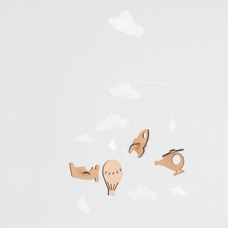 Flot uro til børneværelset eller over puslebordet. Raket, flyver, helikopter og luftballon svæver fint under skyerne. En perfekt personlig barsels- og dåbsgave.  Kids, Baby, Mobile, Decor, Room, Leather, Felt, Clouds, Moon, Star, Aeroplane, Rocket, Air balloon, Chopper, Fly with me, Nordic Design, DIY, Do it yourself, Nørkl, Norkl
