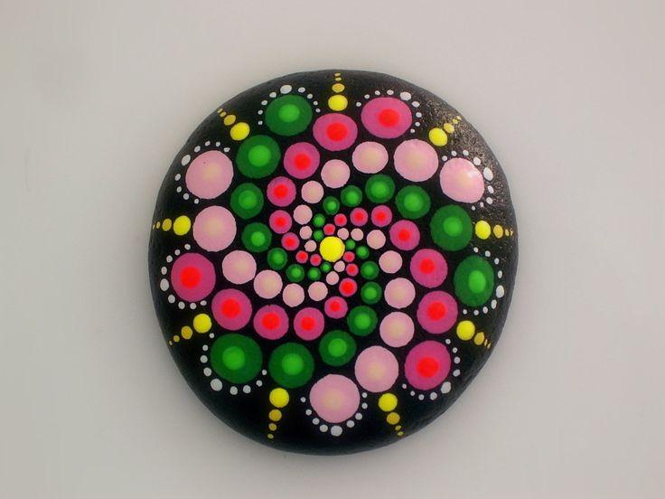Mandala stones-hippie dot art-painted rocks-summer-spiral pink green-unique ooak…                                                                                                                                                                                 Más