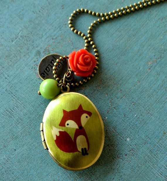 Funny Fox  medaillon necklace in brass with apple by fleurfatale, €25.00