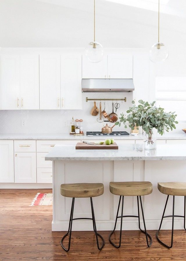 When Amanda Dawbarn and her husband Tim purchased their three-bedroom home in Playa del Rey, California, they knew the kitchen was a complete gut job. Luckily, Dawbarnhad a vision—she...