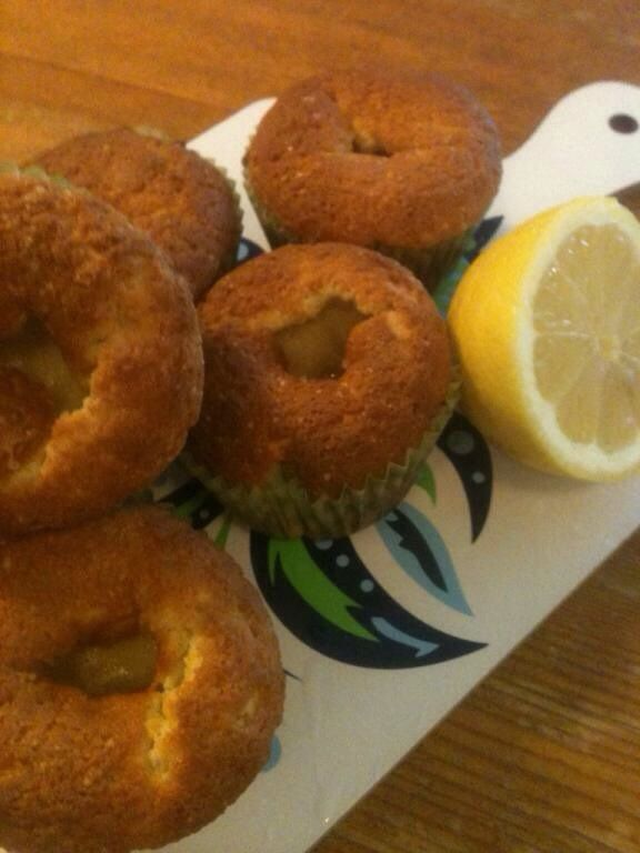 Lemoncurd filled muffins: http://forkandkniv.com/lemoncurd-filled-muffins/