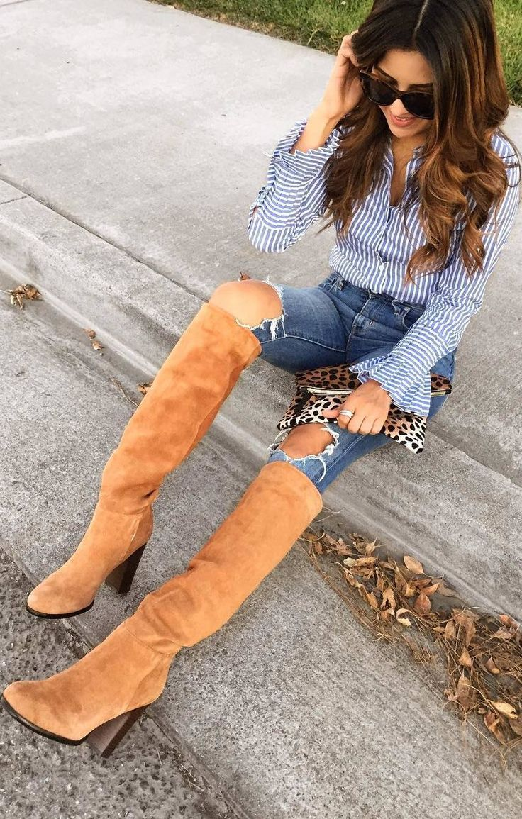 #fall #outfits striped shirt ripped jeans beige boots panther handbag