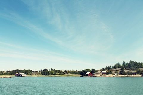 The island of Äppelö (eng. Apple Island) in the Turku archipelago; on the edge to the archipelago of Åland Islands. #discoverarchipelago #archipelago #turkuarchipelago #finland #sea #island #coast #outdoors #outdoortravel #ourplanetdaily #holiday #hikingtrail #hiking #wanderlust #landscapelovers #lonelyplanet #slowtravel #trip #travelingtheworld #travelgram #photooftheday #igdaily #ig_nature #backpacking #skärgården #naturen #viewoftheday