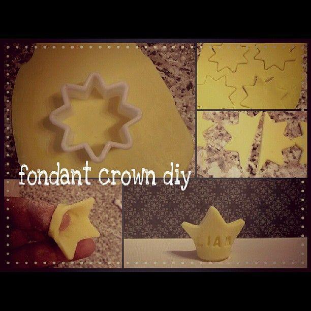 Cake Decorating Crown Cutter : Best 25+ Fondant crown ideas on Pinterest Fondant ...