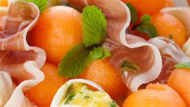 Meloensalade met parmaham en huttenkase 10 min bereiding