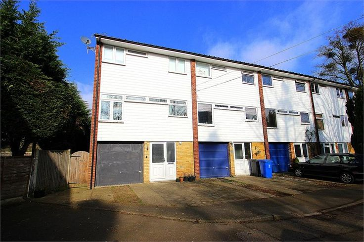 To Let Priory Way , Datchet £1,500 Freehold
