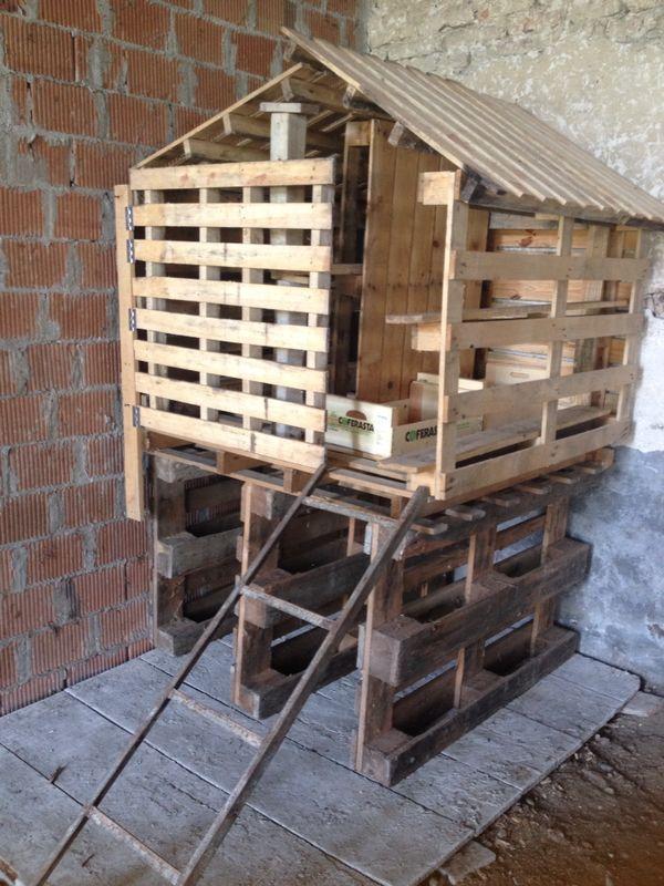 Oltre 25 fantastiche idee su pollaio fai da te con pallet for Costruire un pollaio con i pallet