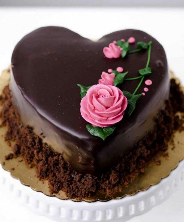 Cake Decorations Chocolate Hearts : 2928 best cool cakes images on Pinterest