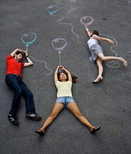http://3.bp.blogspot.com/_ORedXBtaTsc/S-t-6hur0hI/AAAAAAAACb0/JZaKox555Pk/s1600/chalk_balloons.jpg