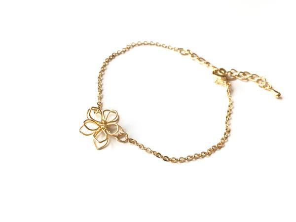 14K gold plated flower and Adjustable chain bracelet