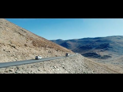 The famous Leh-Manali Highway isone ofthe most beautiful, yet most dangerous, roads inthe world. Accompany two ŠKODA cars ontheir expedition tonegotiate this route.