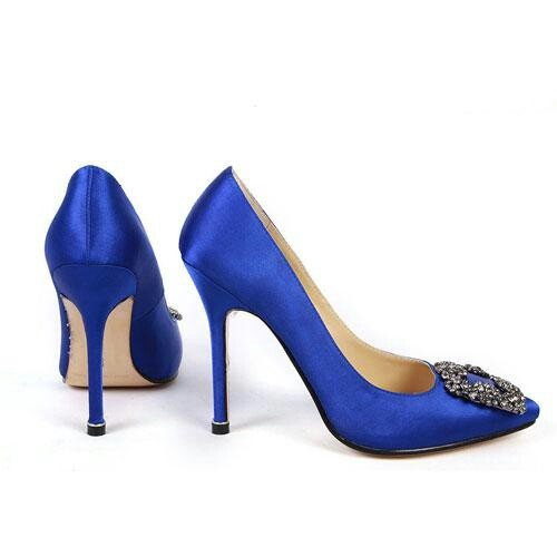 Carrie Bradshaw's 'Something Blue' Manolo Blahnik satin pumps. These will so be worn on my wedding day. <3