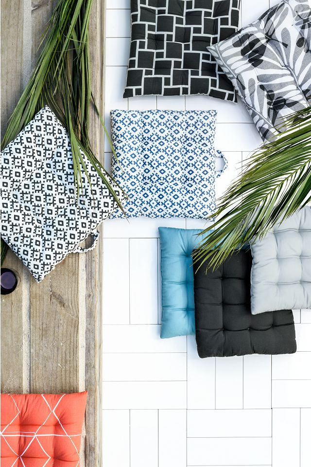 Make your chairs more comfortable with soft chair pads in pretty patterns! | H&M Home
