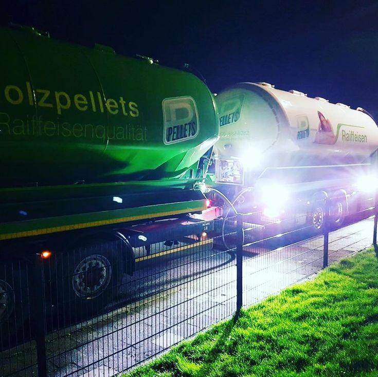 Flut.Licht. #RPellets #pellets #holzpellets #woodpellets #raiffeisenholzpellets #holzbriketts #briketts #raiffeisen #heizung #energie #raiffeisen2018 #holz #genossenschaft #erneuerbareenergie #enplus #biomass #enplusa1 #woodpelletdelivery #wood #pelletdilegno #reusable #renewableenergy #raiffeisenbiobrennstoffe #pellet #picoftheday #instapic #photooftheday #instagram #instalike #followme