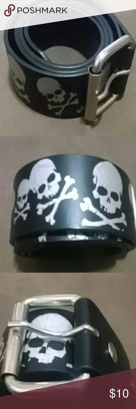 Black skull crossbones belt Black faux leather belt Silver skull and crossbones Removable buckle Like new Size 32 Accessories Belts