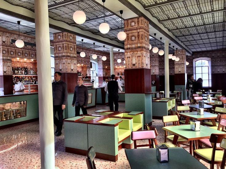 Il Bar Luce di Wes Anderson a Milano. Da Grand Budapest Hotel alla nuova Fondazione Prada