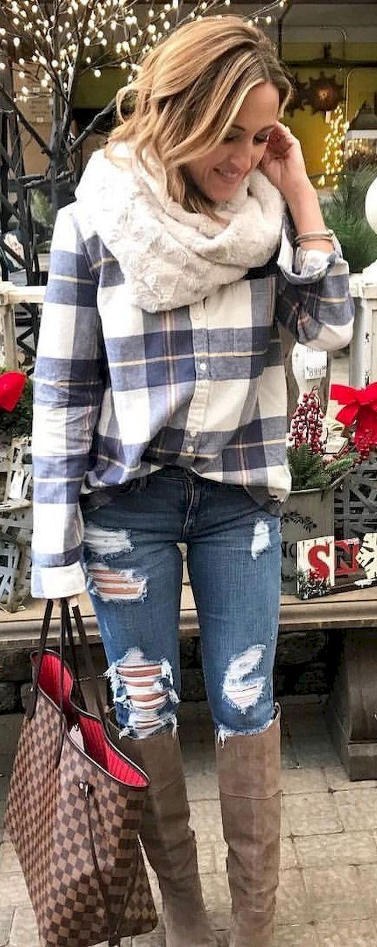 Gorgeous 53 Best Daily Outfit to Wear Flannel Shirt For Woman #Best #Daily #Flanel #Outfit #Shirt #Wear #Woman