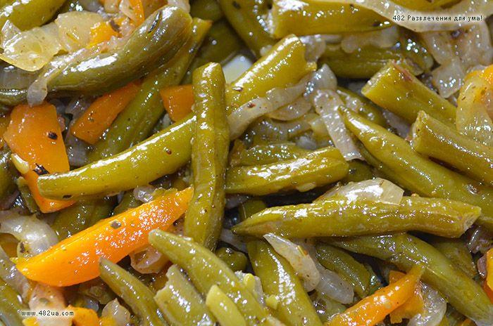 Маринованная стручковая спаржа Оригинальный рецепт закуски из стручковой спаржи, морковки, лука и специй