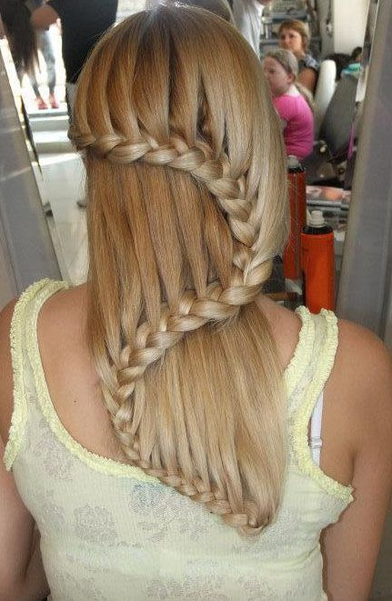 if i ever had hair long enough to do this, i would make the stylist start on the other side of my head so the curve was an S for Shaniqua!