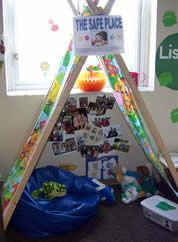 This Safe Place creates a sense of removal from the busy classroom yet is easily seen by teachers. #iheartcd