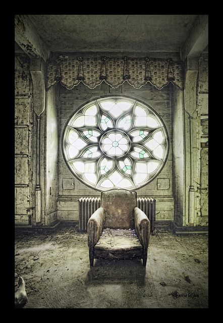 abandoned chateau~ this could be a cool art project for kids. Give them a picture a vibrant place and they have to draw it abandoned.