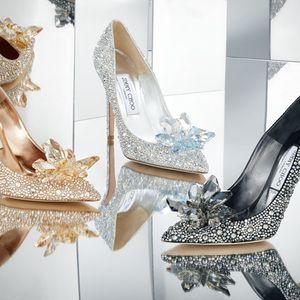 ガラスの靴のようなパンプスもジミーチュウがシンデレラコレクション受注販売